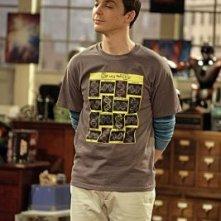 Jim Parsons in una scena dell'episodio The Monopolar Expedition di The Big Bang Theory