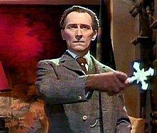 Peter Cushing è Van Helsing in Le spose di Dracula