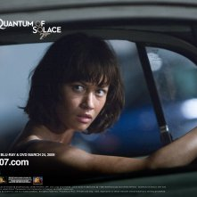Un wallpaper di Olga Kurylenko per il film 'Quantum of Solace'