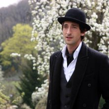 Adrien Brody è Bloom nel film The Brothers Bloom
