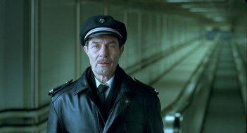 Baard Owe è Odd Horten nel film Il treno del signor Horten