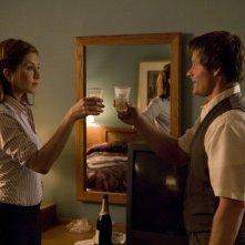 Jennifer Aniston e Steve Zahn in una sequenza del film Management