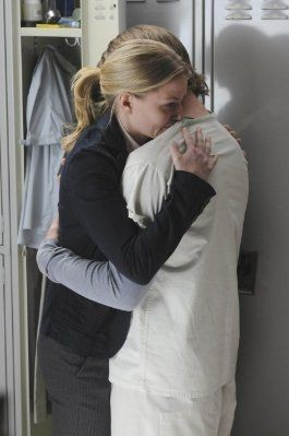 Jennifer Morrison e Jesse Spencer in una scena di Both Sides Now di Dr. House: Medical Division