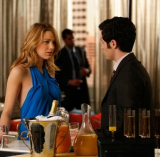 Blake Lively e Penn Badgley in una scena dell'episodio The Goodbye Gossip Girl di Gossip Girl
