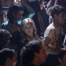 Brittany Snow in una scena dell'episodio Valley Girls di Gossip Girl