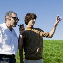 Demetri Martin ed Eugene Levy in una scena del film Taking Woodstock, diretto da Ang Lee