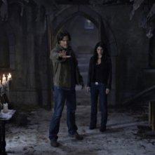 Jared Padalecki e Genevieve Cortese in una scena dell'episodio Lucifer Rising di Supernatural