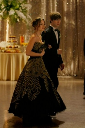 Leighton Meester e Chace Crawford in una scena dell'episodio Valley Girls di Gossip Girl