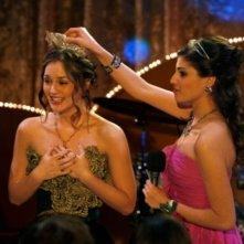 Leighton Meester ed Amanda Setton in una scena dell'episodio Valley Girls di Gossip Girl