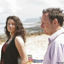 Michael Emerson e Zuleikha Robinson nell'episodio The Incident, finale della stagione 5 di Lost