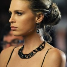 Sara Foster in una scena dell'episodio Zero Tolerance di 90210