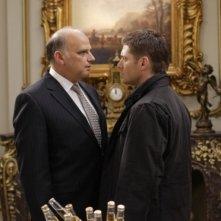 Un faccia a faccia tra Jensen Ackles e Kurt Fuller nell'episodio Lucifer Rising di Supernatural