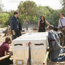 Una foto di scena dell'episodio The Incident, finale della stagione 5 di Lost