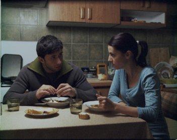 Una sequenza del film Police, adjective (Politist, adjectiv 2009)