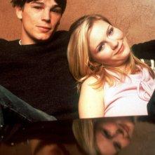 Una foto promo di Josh Hartnett e Kirsten Dunst de 'Il giardino delle vergini suicide'