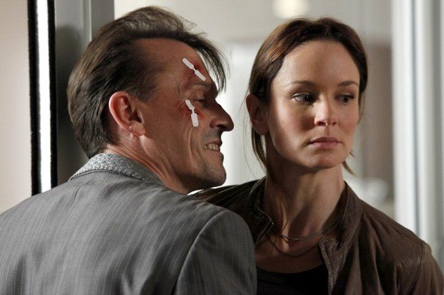 Robert Knepper E Sarah Wayne Callies In Una Scena Dell Episodio Killing Your Number Di Prison Break 117299