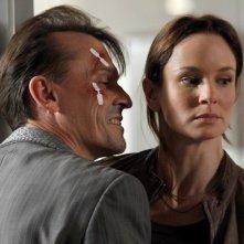 Robert Knepper e Sarah Wayne Callies in una scena dell'episodio Killing Your Number di Prison Break