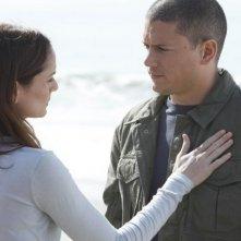 Wentworth Miller e Sarah Wayne Callies in una scena dell'episodio Killing Your Number di Prison Break