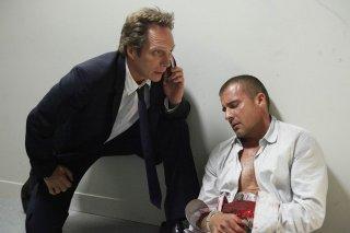 William Fichtner e Dominic Purcell in una scena dell'episodio Rate of Exchange di Prison Break