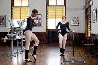 Damon Wayans Jr. e Shoshana Bush in una scena del film Dance Flick