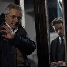 Il regista Marco Bellocchio sul set del film Vincere