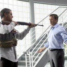 Mark Valley in una scena della nuova serie Fox Human Target