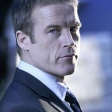 Mark Valley in una scena di Human Target