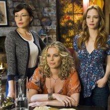 Lindsay Price, Rebecca Romijn e Jaime Ray Newman nel pilot di Eastwick