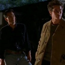 Tod Thawley(Eddie) parla con Brendan Fehr(Michael) alla riserva indiana in Roswell
