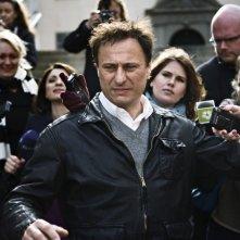 Michael Nyqvist in una scena del film Uomini che odiano le donne