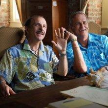 Carlo Buccirosso e Enrico Bertolino in una sequenza del film Un'estate ai Caraibi