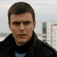 Vuk Kostic in una scena del film Amore & altri crimini