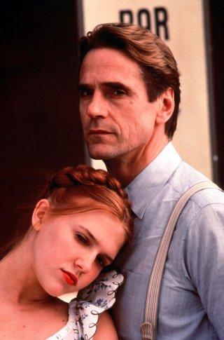 Dominique Swain con Jeremy Irons per il film 'Lolita' del 1997