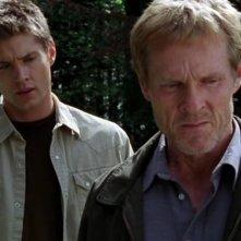 Jensen Ackles e William Sadler in una scena del film 'Devour'
