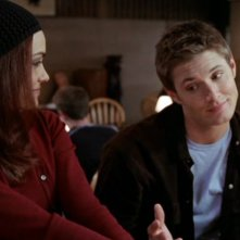 Shannyn Sossamon e Jensen Ackles in una scena del film 'Devour'