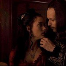 Gary Oldman e Winona Ryder in una scena di Dracula di Bram Stoker
