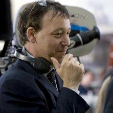 Il regista Sam Raimi sul set del film horror Drag Me to Hell