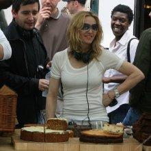 Madonna in versione regista sul set del film Sacro e profano
