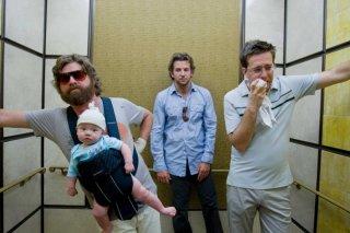 Zach Galifianakis, Bradley Cooper e Ed Helms in un'immagine del film Una notte da leoni