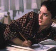 Winona Ryder in una sequenza del film Ragazze Interrotte