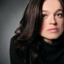 Alessandra Agosti in una foto promozionale della miniserie Nel nome del male