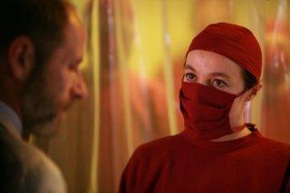 Alessandra Agosti in una scena della miniserie Nel nome del male