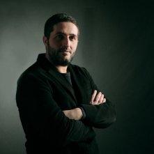 Davide Lorino in una foto promozionale della miniserie Nel nome del male