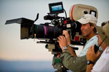 Il regista Michael Bay sul set di Transformers - La vendetta del caduto