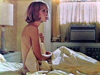 Mia Farrow nel film di Roman Polanski, Rosemary's baby - Nastro rosso a New York