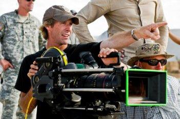 Michael Bay sul set del film Transformers - La vendetta del caduto