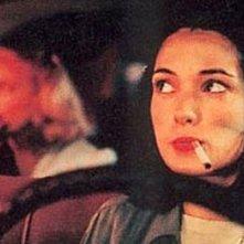 Winona Ryder in una scena del film Taxisti di notte