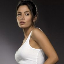 Una foto promozionale di Sarah Shahi(Dani Reese) per la 1 serie di 'Life'