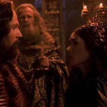 Gary Oldman con Winona Ryder in una scena del film Dracula di Bram Stoker