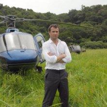 James Purefoy in una foto promozionale della serie The Philanthropist